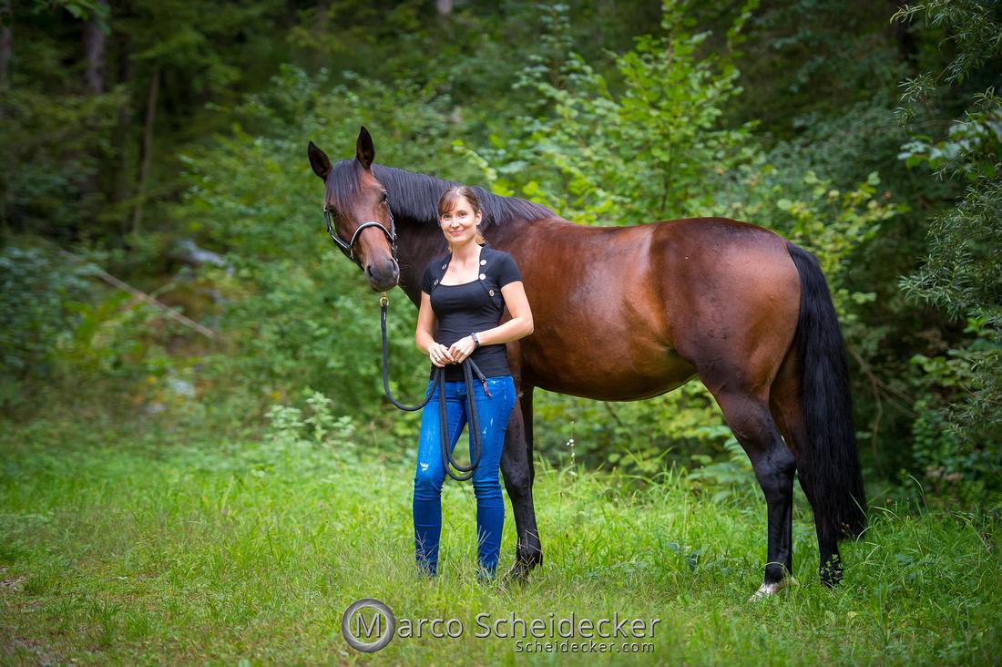 C2019-09-22-0002  -  Fabiola und die kleine Sophie