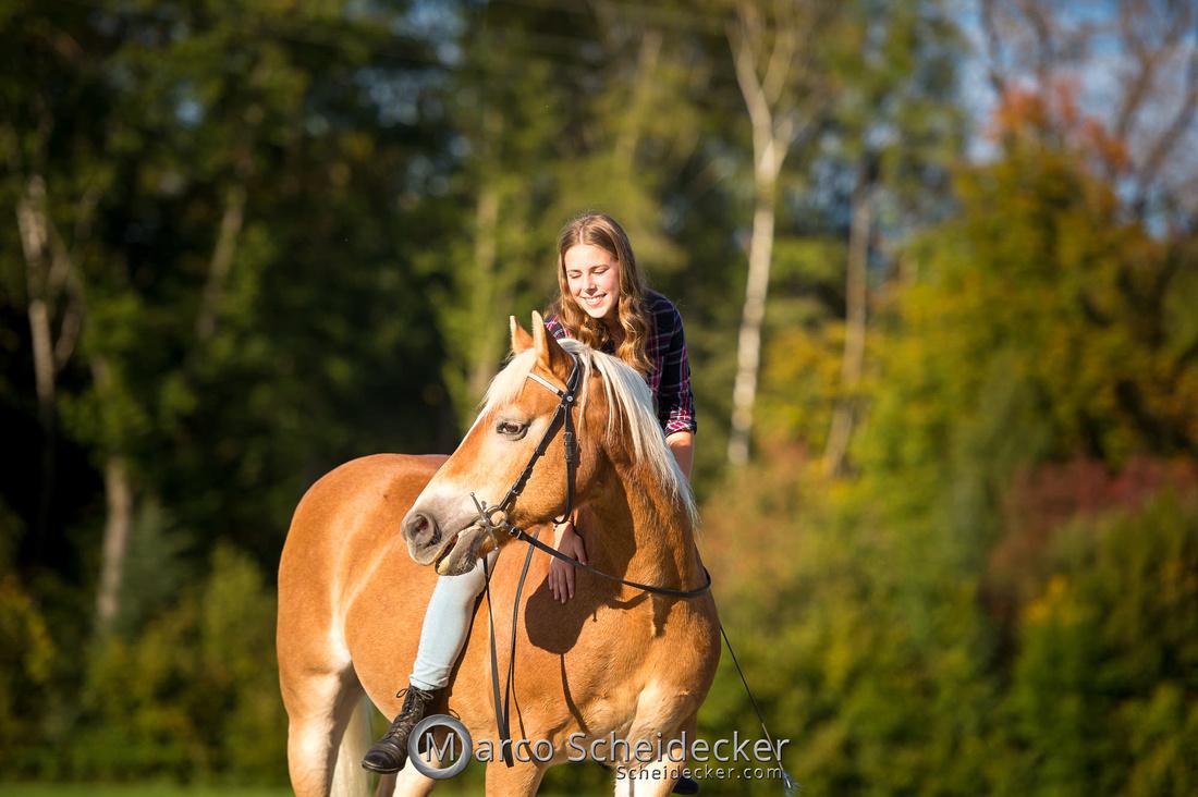 C2019-10-13-3225  -  Wendy im Herbst